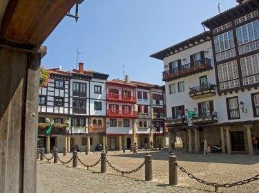 Plaza de las Cadenas, Casco