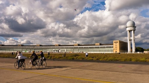 Bicicletas en el Aeropuerto de Tempelhof - Foto: Ricardo Ramirez Gisbert, CC BY 2.0