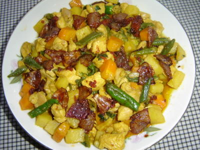 কুচো আদায় মুরগী (Chicken Vegetable with Ginger Flakes)
