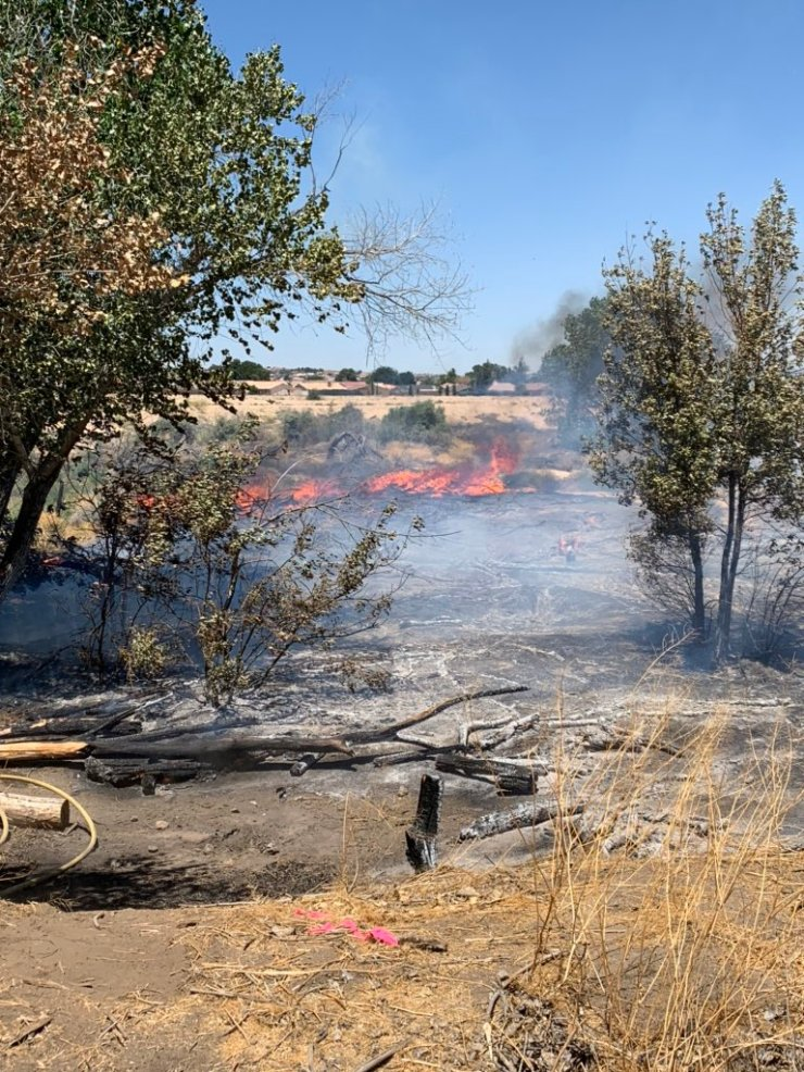 Brush fire in apple valley