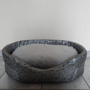 Mand ovaal zilver slangenhuidmotief namaak