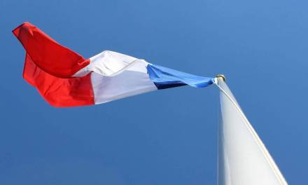 Le beach flag ou l'oriflamme, tendance marketing pour l'été 2018 ?
