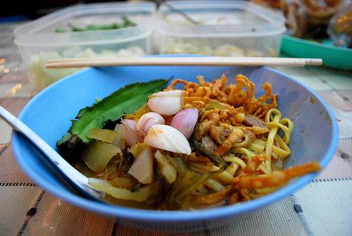 Nouilles thaïlandaises au curry (Khao Soy/ Khao Soi) (ข้าวซอย)