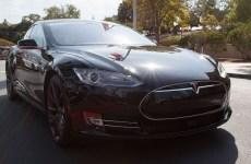 Photo de la voiture Tesla de face