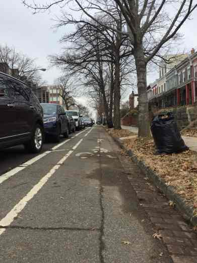 "The R St NE ""contraflow"" bike lane, after a much-need cleaning."
