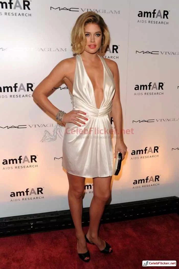 Doutzen Kroes Pictures in Awesome White Dress -03