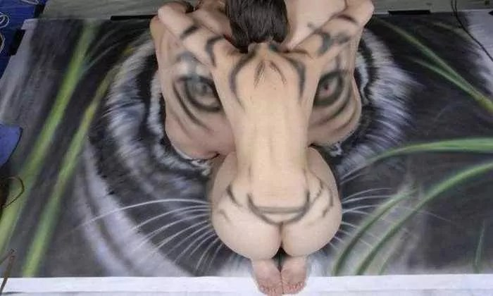 Incredible Tiger Body Art by Craig Tracy - 6 Pics -02
