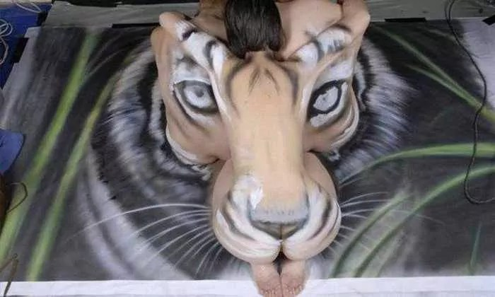 Incredible Tiger Body Art by Craig Tracy - 6 Pics -03