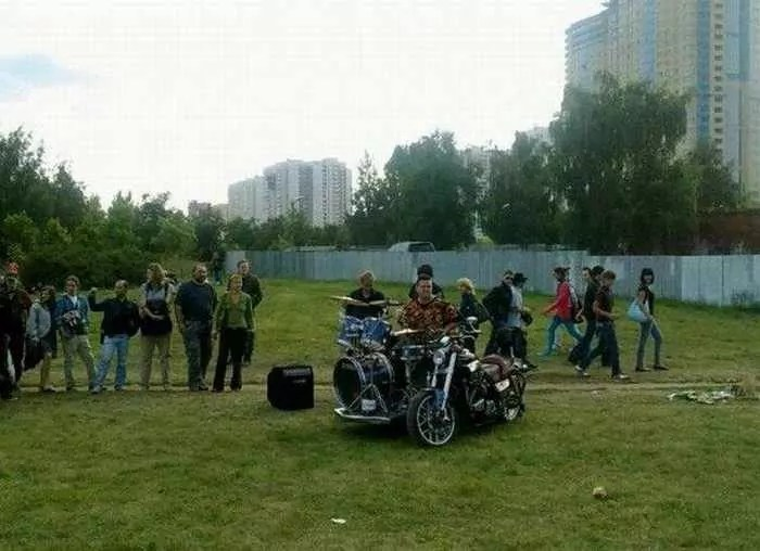 Funny Bike With Drums For Music Lover - 8 Pics -03