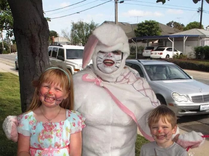 60 Scary Easter Bunny Pictures That Will Give You Nightmares -09