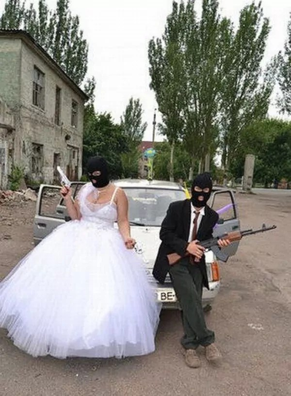 Unusual Funny Wedding Costume That is Hilarious -01