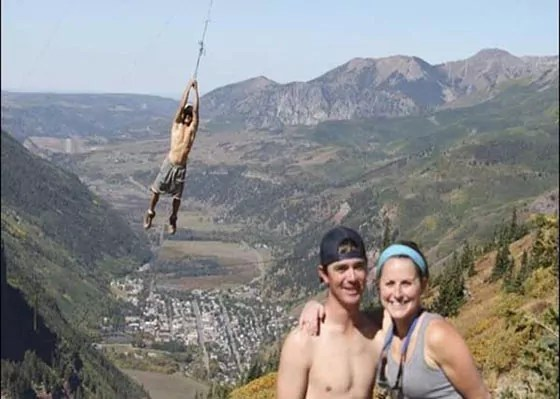 Perfectly Captured PhotoBomb Of The Day Will Make You Laugh -03