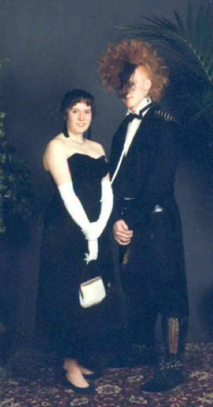 50 Ridiculous 80's Prom Photos That Will Make You Laugh -07