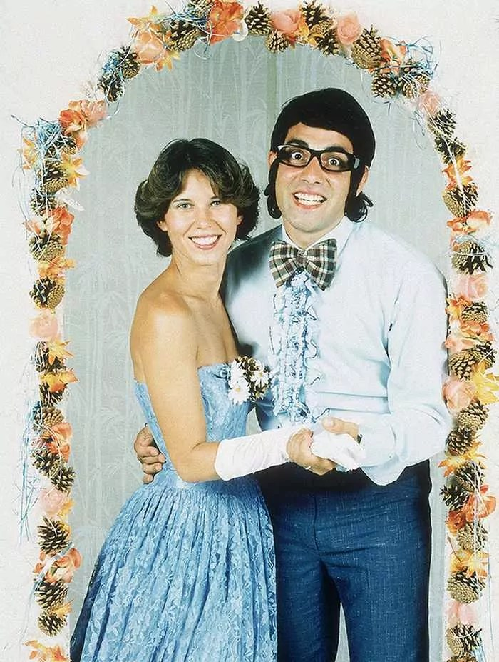 50 Ridiculous 80's Prom Photos That Will Make You Laugh -50