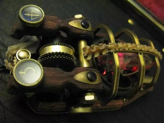 13 Funny Pictures of Steampunk Mouse -12