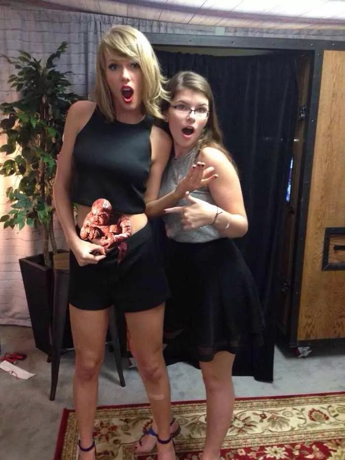 Taylor Swift's Belly Button Becomes New Meme - 40 Pics -04