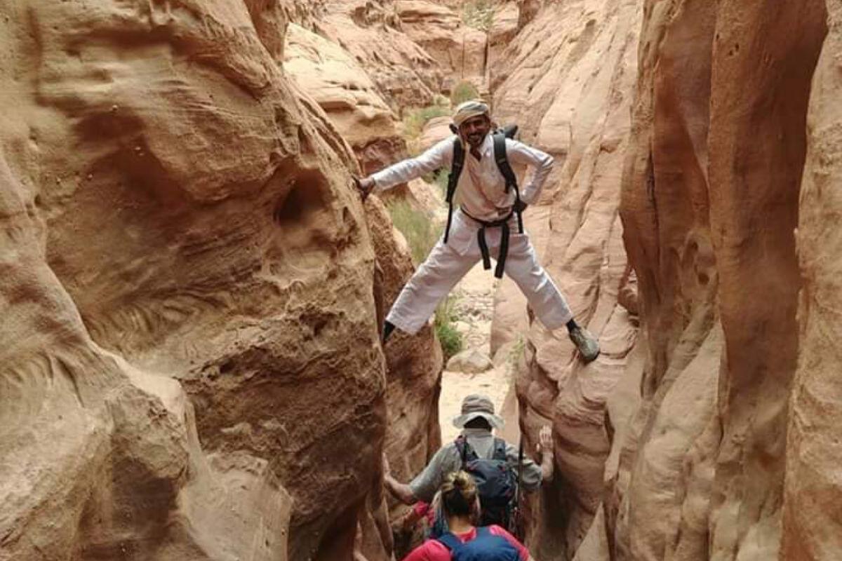 Ali Hiking Guide