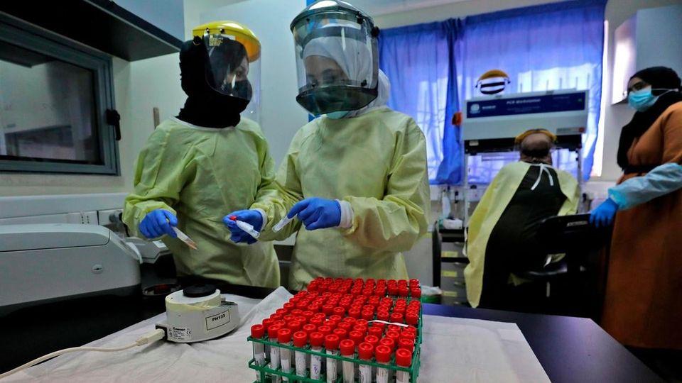 """وفاتان و97 إصابة جديدة بفيروس """"كورونا"""" و140 حالة تعاف"""