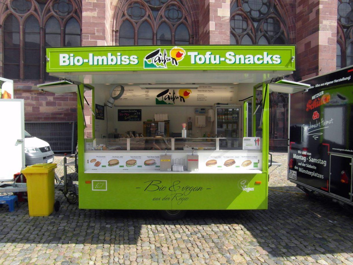 ¿quién ha visto en España un puesto de comida callejera dedicada única y exclusivamente a los bocatas de tofu?