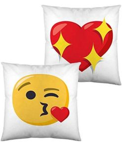 Almofada com Enchimento Emoji Face Blowing a Kiss (40 x 40 cm)