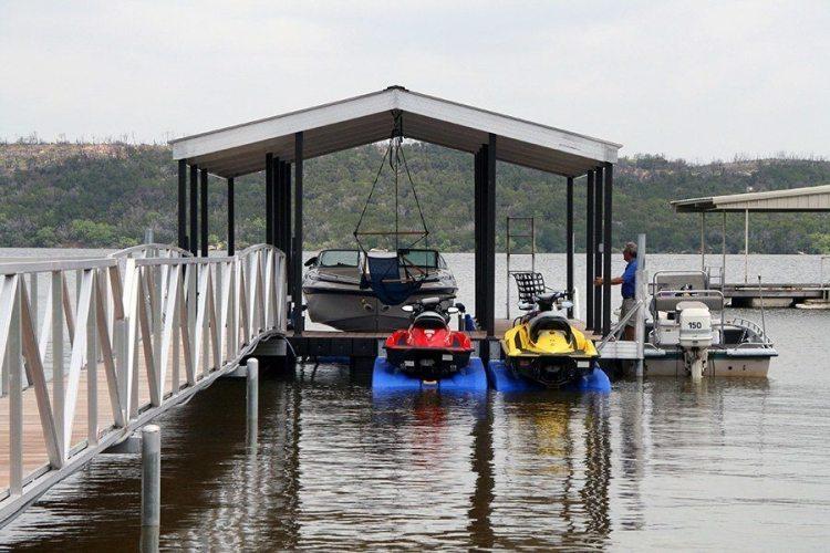 Wahoo Docks Gable Roof