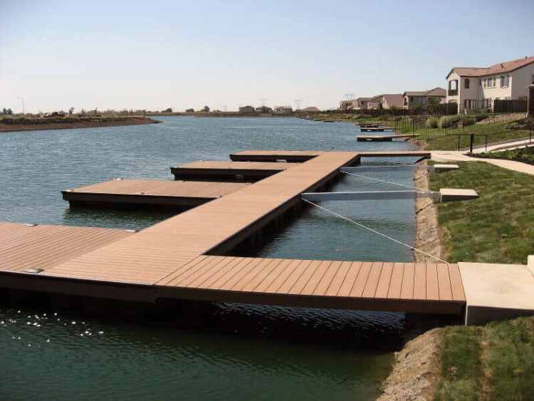 wahoo aluminum docks floating platform community docks with multiple boat slips and cable dock anchoring