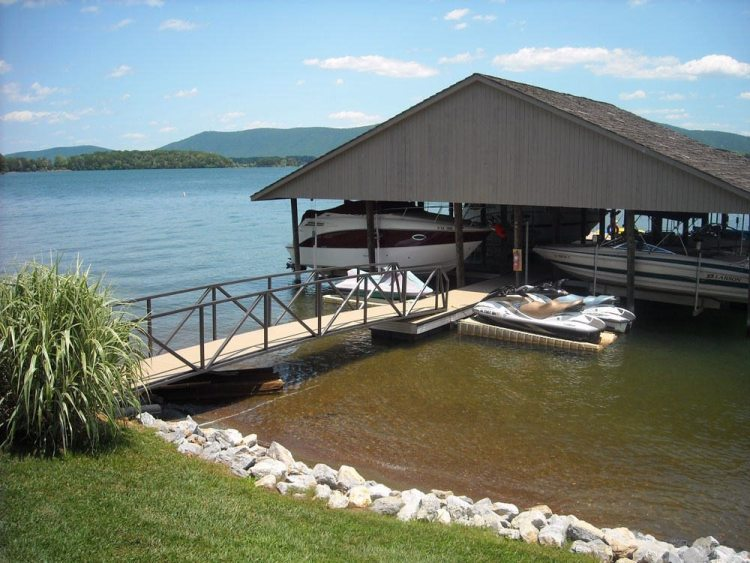 wahoo aluminum docks commercial community dock with jet ski ports and aluminum gangway