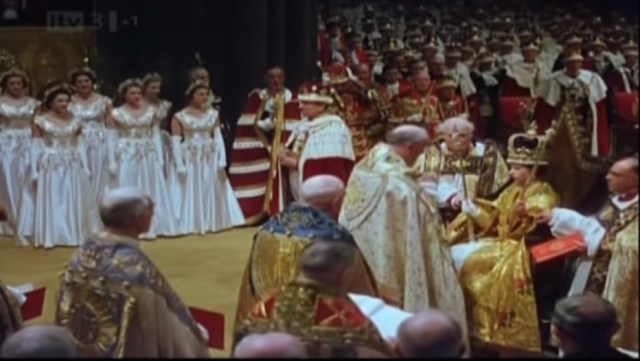 The moment that Queen Elizabeth II was crowned!