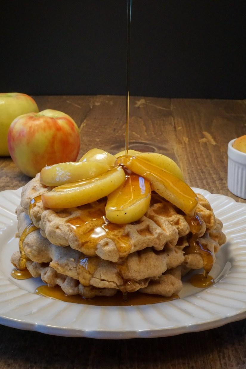 HEALTHY Apple Pie Waffles! Whole wheat, refined sugar-free, butter-free! #healthy #applepiewaffles #recipe | www.wakeuptowaffles.com