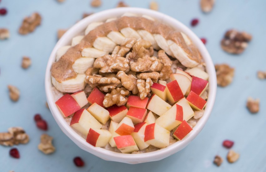 Creative and Healthy Oatmeal Topping Ideas | #oatmeal #topping #ideas #porridge | www.wakeuptowaffles.com