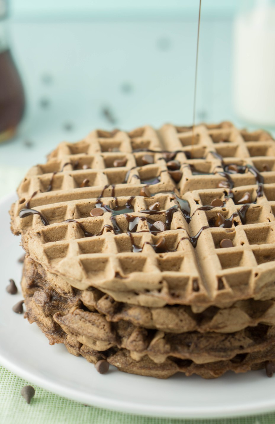 HEALTHY Double Dark Chocolate Waffles! the best dessert for breakfast a healthy foodie could possibly wish for! #healthy #chocolate #waffles #recipe | www.wakeuptowaffles.com