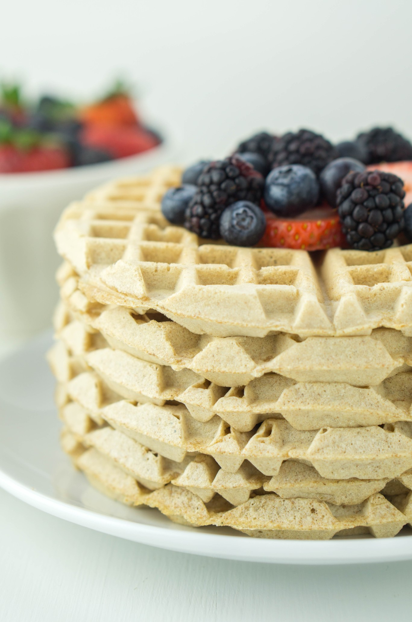 Healthy Whole Wheat Waffles! Fluffy, sweet & refined sugar-free #healthy #wholewheat #waffles #recipe | www.wakeuptowaffles.com