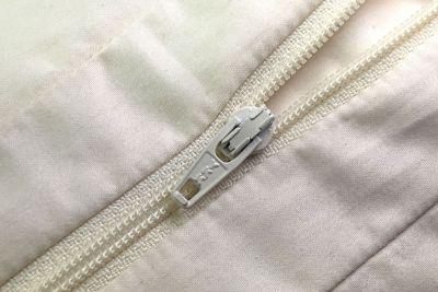 wakewell-zipper-2