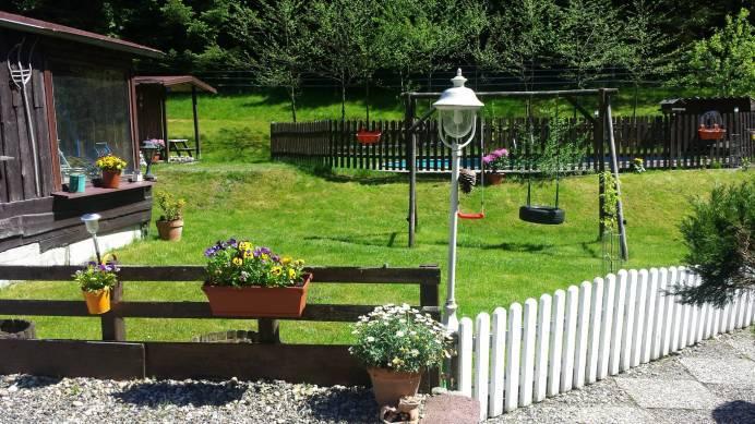 FeWO Garten mit Schaukel