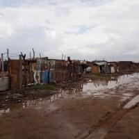 Chuva de terça-feira deixa famílias desabrigadas na Vila da Fé, em Petrolina
