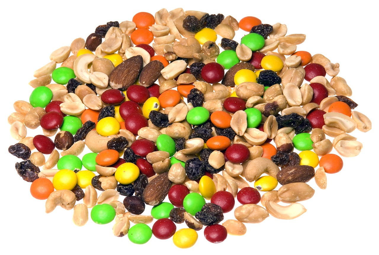 healthy travel snacks trail mix