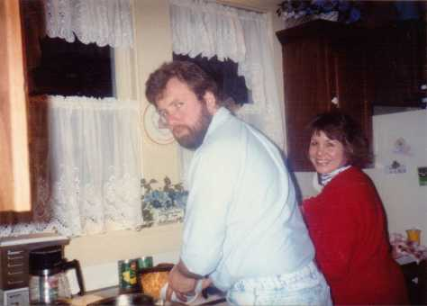 Jeff__&_Janet_iat_the_sink
