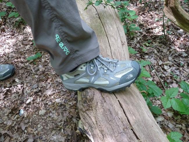 f70e7c33def The North Face Men s Hedgehog 2 Gore-Text XCR Walking Shoes Walks ...