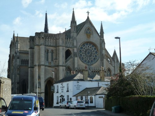 Walks And Walking - West Sussex Walks Arundel to Bognor Regis Walking Route - Arundel Cathederal