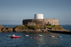 Walks And Walking - Best Places To Go Walking In Guernsey - Fort Grey