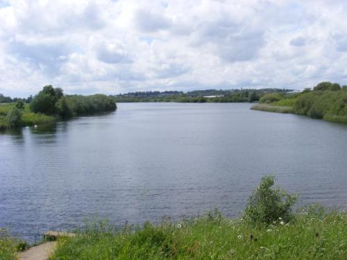 Walks And Walking - Top 5 Northamptonshire Walks - Duston Mill Reservoir