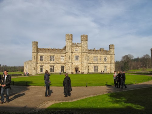 Walks And Walking - Classic British Hotels at Leeds Castle - Saxon Manor
