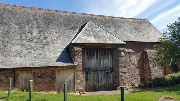 HF Holidays 7 Mile Linear Easy Walk to Dunster - Barn