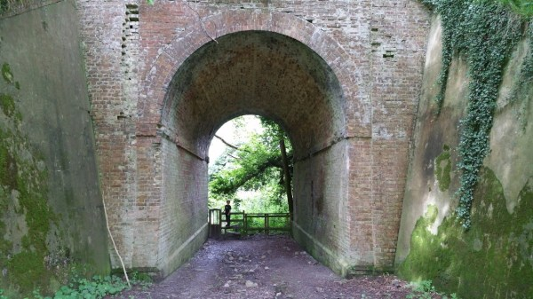 Walks And Walking - Peene Quarry Country Park Walk in Kent - North Downs Way Railway Tunnel