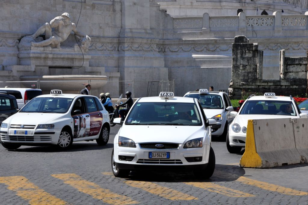 You can take a taxi from Naples to Pompeii