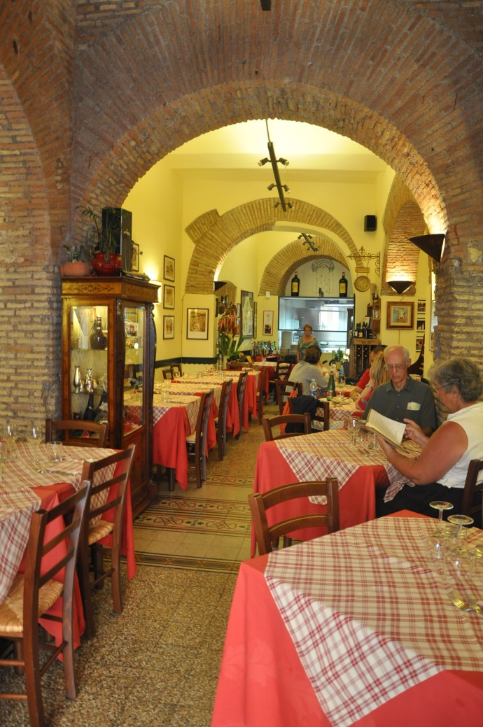 4e1ee9f9ce0 The Dos and Don'ts of Eating in Italy