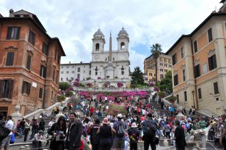 The spring is a good time to visit Rome!