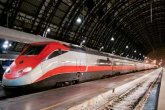 High speed Italian trains like this are an important part of our guide for how to travel italy by train