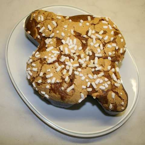 Colomba di Pasquale, a traditional Italian Easter cake