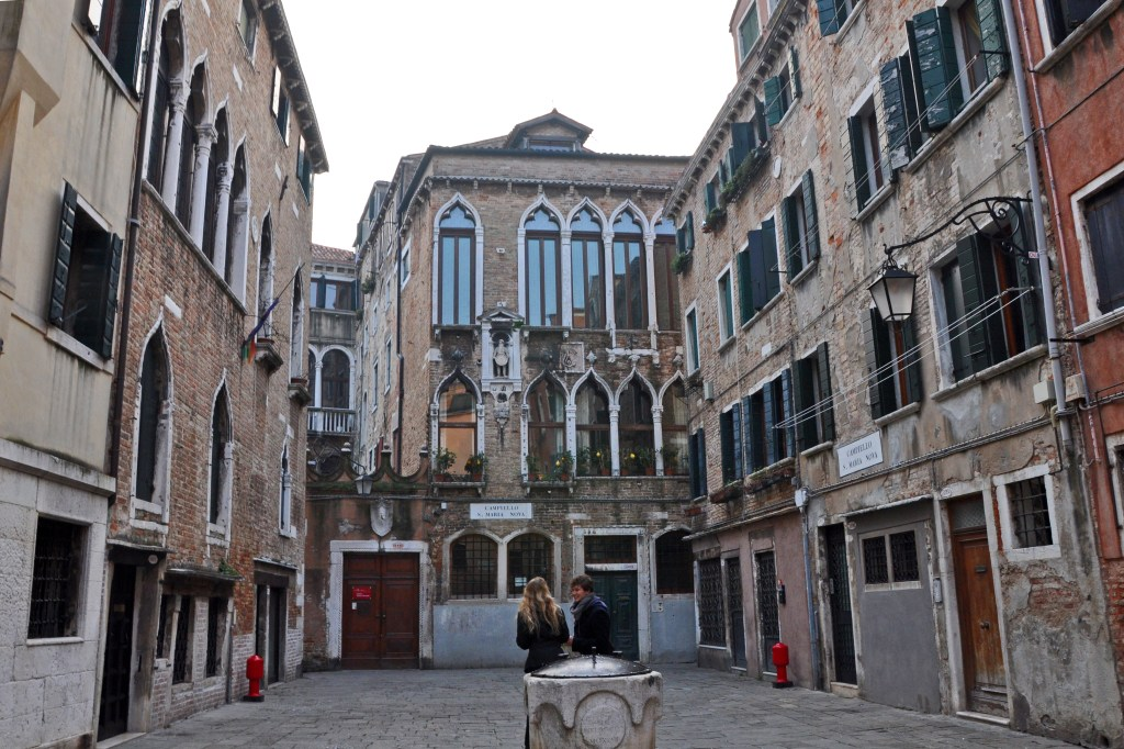 A plaza in Cannaregio, one of the neighborhoods of Venice